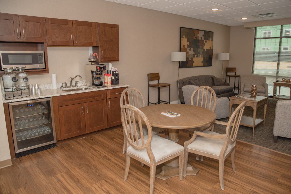 Take a Tour - Amenities - Lounge Kitchen